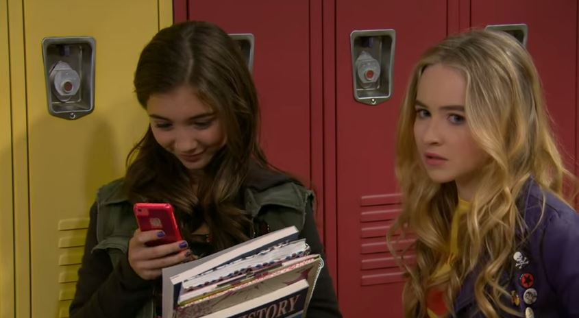 girl-meets-world-texting-episode-girl-meets-world-texting-episode-2-HEY-Magazine