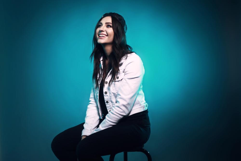 Demi Chalkias - Fast & Focused - H.E.Y. Magazine